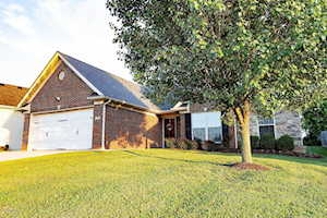 3236 Squire Cir Shelbyville, KY 40065