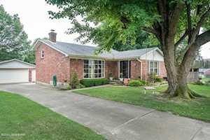6807 Creedmoor Ct Louisville, KY 40228