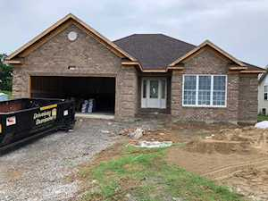 3211 Squire Cir Shelbyville, KY 40065