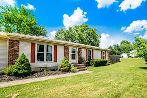 6649 Ashbrooke Dr Pewee Valley, KY 40056