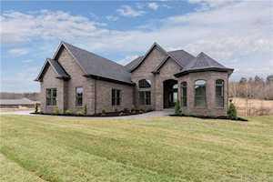 5041 Cooks Creek Lane Sellersburg, IN 47172