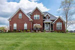 823 Kingswood Dr Taylorsville, KY 40071