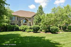 4 Oliver Way Hawthorn Woods, IL 60047