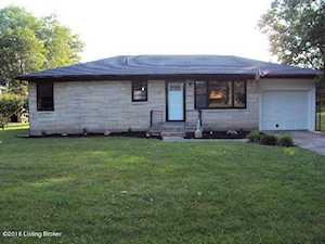393 Centerview Dr Shepherdsville, KY 40165