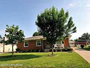 2239 Thistledawn Dr Louisville, KY 40216