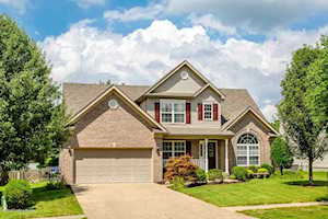 6009 Sweetbay Dr Crestwood, KY 40014