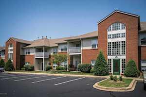 9500 Magnolia Ridge Dr Louisville, KY 40291