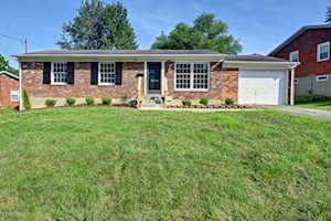 3038 Cabinwood Dr Louisville, KY 40220