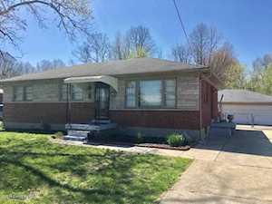 4306 Flintlock Dr Louisville, KY 40216
