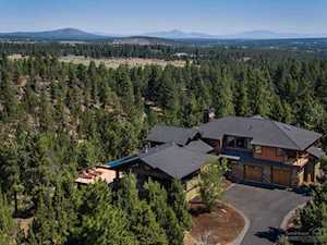 18776 Hakamore Drive Bend, OR 97703
