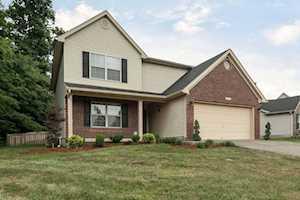 1502 Bostwick Ln Louisville, KY 40245