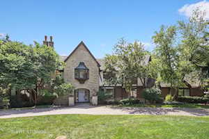 41 Baybrook Ln Oak Brook, IL 60523
