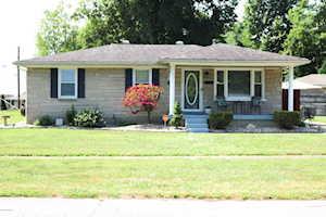 7901 Grandmeadow Ln Louisville, KY 40258