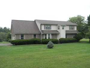 3900 Carriage Hill Dr Crestwood, KY 40014