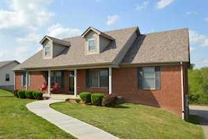 189 Lakeland Drive Harrodsburg, KY 40330