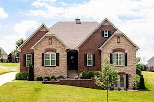 6616 Heritage Hills Dr Crestwood, KY 40014