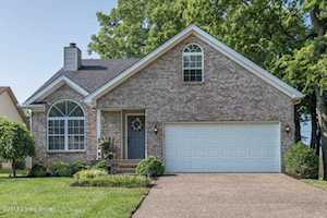 8712 Brittany Dr Louisville, KY 40220