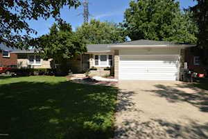 4001 Blossomwood Dr Louisville, KY 40220