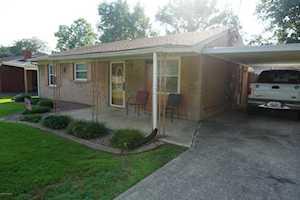 279 Hillside Ln Louisville, KY 40229