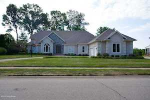 1307 Isleworth Dr Louisville, KY 40245