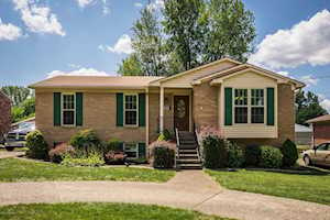 6112 Lynnchester Dr Louisville, KY 40219
