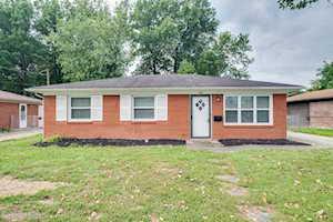 218 Mackie Ln Louisville, KY 40214