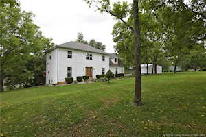 7208 Dave Carr Road Charlestown, IN 47111