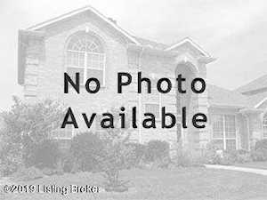 3806 Hunsinger Ln Louisville, KY 40220