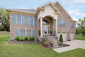 423 Reserves Ct Simpsonville, KY 40067