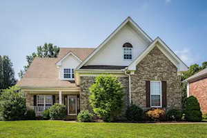 8905 Fox Chase Pl Louisville, KY 40228
