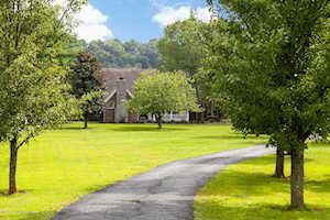 414 Brashears Point Rd Taylorsville, KY 40071