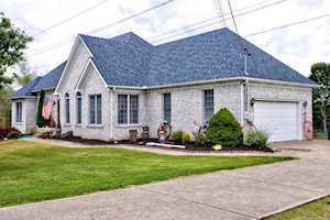 327 Zinnia Way Shepherdsville, KY 40165