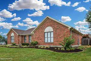 110 Emerald Cir Mt Washington, KY 40047