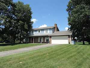 3901 Red Oak Ct La Grange, KY 40031