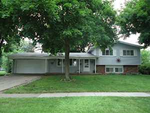 794 Dover Ct Crystal Lake, IL 60014