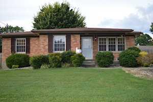 5509 Chestnutwood Way Louisville, KY 40272