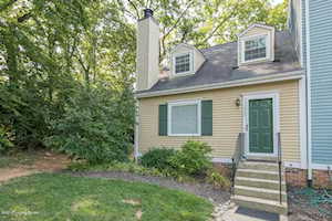 10729 Colonial Woods Ct Louisville, KY 40223