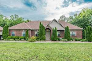 16330 Crooked Ln Fisherville, KY 40023