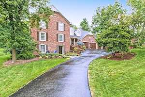 8630 Seaward Lane Indianapolis, IN 46256