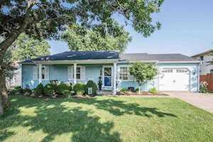 502 Scarborough Drive Versailles, KY 40383