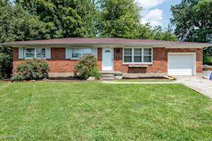 3617 Friar Tuck Ct Louisville, KY 40219