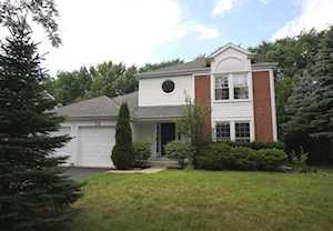 34 Southfield Dr Vernon Hills, IL 60061