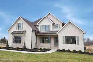 7395 Grand Oaks Dr Crestwood, KY 40014