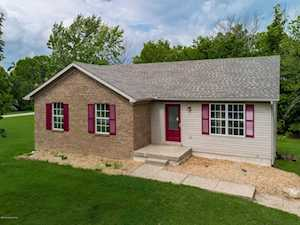 301 Hickory Woods Dr Taylorsville, KY 40071