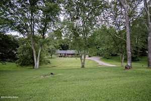 1906 Woodsboro Rd Crestwood, KY 40014