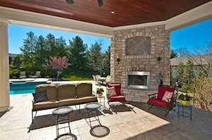 939 Squire Oaks Dr Villa Hills, KY 41017