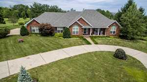 387 Old Stone Dr Simpsonville, KY 40067