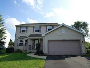 5594 Mckenzie Dr Lake In The Hills, IL 60156
