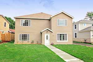 706 E Rockland Rd Libertyville, IL 60048