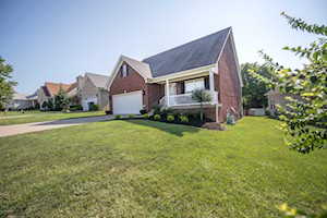 4111 Sunny Crossing Dr Louisville, KY 40299